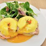 サラベス - Classic Eggs Benedict (クラシックエッグベネディクト) 1,450円