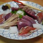 吉位寿司 - 刺身の盛り合わせ