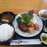 Tomoshige - ハンバーグ鶏の唐揚げ定食 ご飯大盛り880円