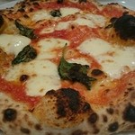 ふらいぱん - 高温窯で焼き上げるナポリピッツァの定番   マルゲリータ