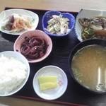 女性部食堂 - 定食1000円