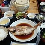 江口蓬莱館 - 魚の煮付け定食。