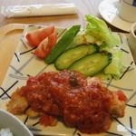 49330471 - メインは鶏肉の料理、イタリア風のソース添えって感じかな?