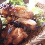地元産天然お魚とアジアごはん アイワナドゥ 岩戸 - 網焼きチキン