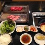 49332545 - 焼肉定食800円(外税)