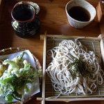4934953 - 石臼挽きざるそば・山菜天ぷら付き(1000円)_2010-08-28