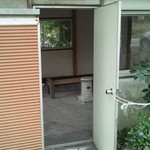 麺屋 晴 - 建物への入口