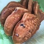 御菓子司 森口屋 - たい焼き☆  アッサリ目の餡、しっとり目の生地♫結構好きなタイプです!٩(๑><๑)۶