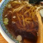 手打中華 すずき - スープ