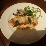 UNITED DINER - 若鶏ムネ肉のピッツア仕立て