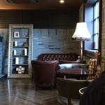 星乃珈琲店 - ソファーもゆったり座れる素材です。