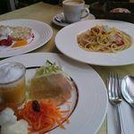 ふらいぱん - 前菜、スープ、パン、パスタ、デザートがついたお得ランチ パスタランチ 1382円(日祝日ランチ)
