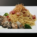 ヨーロピアンダイニング バッカスのへそ - 広島産牡蠣と御殿場厚切りベーコンのパスタ
