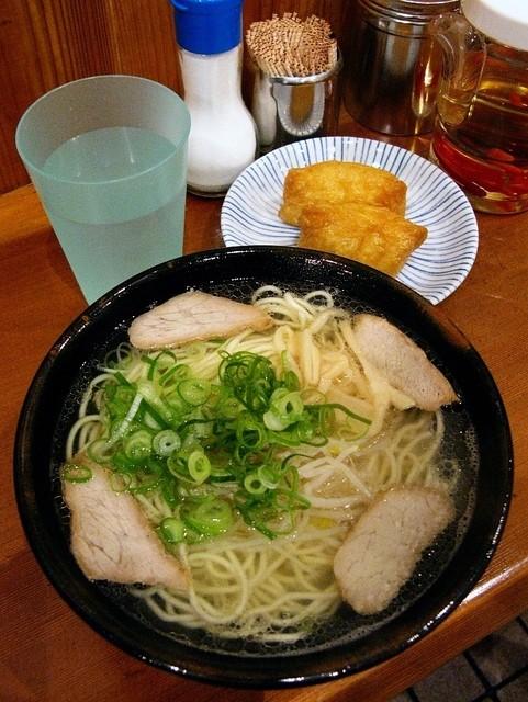 モリス - 中華そば630円、いなり寿司120円