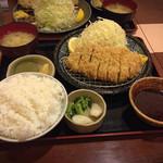とんかつまぁるまる - 料理写真:みそロースカツ定食 1350円ご飯大盛!