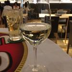 マルシェ ごろごろ屋 - 白ワイン半額250円
