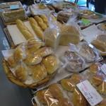 ベーカリートド - 主食パンコーナー