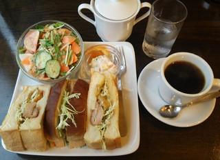 ピーク ロースト コーヒー - ジャークチキンサンドのセット