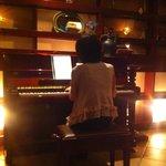 Cafe Bar Pace - 生演奏ピアノ