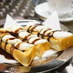 カフェ ド ロペ - 「エース」のクリームトースト (¥389)、ウインナーコーヒー (¥602)