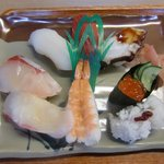 魚よし - 料理写真:並にぎり(950円)