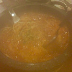 肉焼屋ワイン部 ジャストMEAT  - バナメイエビの石焼トマトパスタ。(熱々で来るのでレンズが曇ってしまって失礼)