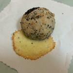 49374046 - 黒ごまチーズ