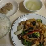 中国料理光龍飯店 - ランチセット:若鶏と野菜の炒め(¥750)2016