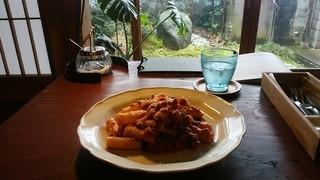 カフェ イル ヴェンティチェッロ - メイン「トルティリオーニのボロネーゼ、ミートソース、マカロニ」