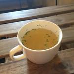 Lavi Ande Cafe - 160404 ランチのスープ