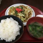 すみれ食堂 - 焼きそば定食(620円)