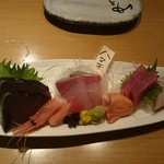 沼津港直送の海鮮と創作料理 ゆうが沼津 - サービスの刺身盛合せ