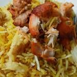 カシミール - ビリヤニの食べ方。