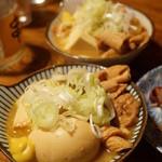 やきとんひなた - もつ煮込み(380円)+煮玉子(100円)(2015/9)