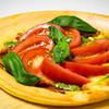 フルーツトマトとクリームチーズのピザ