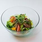 トータルフーズ - グリルチキンのボリュームサラダ