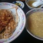 味覚亭 - 料理写真:味覚飯、コーンスープ