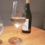 49407725 - 乾杯の白は南アフリカ産 すっきり辛口
