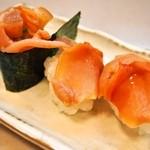大興寿司 - 赤貝