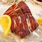 大興寿司 - ながす鯨(尾の身) 造り