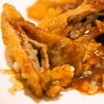 うしくんの加古川かつめし亭 - 薄切りの牛肉が一枚では、満腹感が得られない。