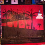 ダイアモンドヘッド - テーブル席背面の壁画。オーナー自らの作です