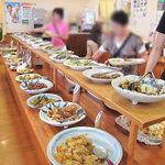 にじの耳納の里 レストラン夢キッチン - いわゆる『農家料理のブッフェ』。このエリアでは地元民もドライブ民も集まる一番人気の地産地消系レストランでしょう。