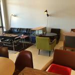 49417340 - 個性豊かなの椅子とテーブル