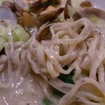 龍祥軒  - 黒ゴマ練り込みのオリジナル麺