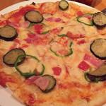 イタリアン食堂酒場 大手町厨房 - ピザは2切れずつ