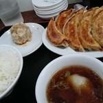 49424568 - 餃子ダブル定食