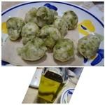 アンティーカ ピッツェリア ダ ミケーレ - ◆ゼッポリーネ(350円)・・ピザ生地に海藻を入れて揚げたものですが、好きなのです。