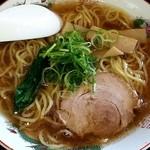 どんちゃん食堂 - 料理写真:醤油らーめん 734円