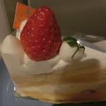 49429903 - ショートケーキ